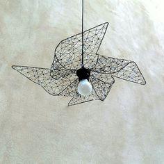 Větrník. Drátovaný objekt - stínidlo.