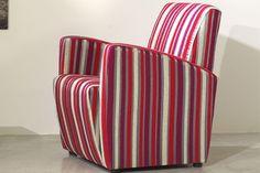 Le presentamos este sillón de diseño muy original, moderno, bonito y sobre todo cómodo y práctico. Fácil de transportar, para que ningún rincón de su hogar esté exento de confort.
