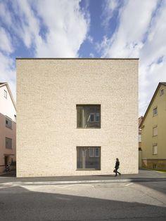 In die Tiefe des Blocks - Mensa von Harris Kurrle in Ludwigsburg