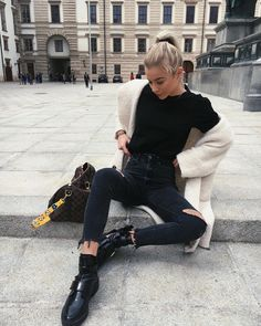 4,751 отметок «Нравится», 88 комментариев — Valentina Steinhart (@valentina.steinhart) в Instagram: «Back to basics»