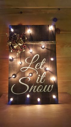 Wooden Pallet Sign Blank 2019 Take a pallet sign blank drill some holes stain add some berries bells and twine and vinyl for a sign that stands out from the rest. The post Wooden Pallet Sign Blank 2019 appeared first on Pallet ideas. Wooden Pallet Signs, Wooden Pallet Projects, Pallet Crafts, Wooden Pallets, Pallet Ideas, Painted Pallets, 1001 Pallets, Christmas Wood Crafts, Pallet Christmas