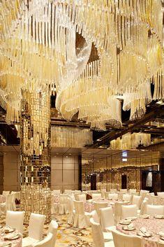 Ballroom Ritz Carlton, Hong Kong by LTW Designworks; Chandelier by Lasvit Hotel Lobby, Tom Dixon, Ballroom Design, Function Room, Ballrooms, Party Venues, Hotel Interiors, Hospitality Design, Commercial Interiors