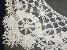 ANTIQUE HAND MADE DELICATE DIMENSIONAL LACE MUSEUM QUALITY COLLAR-UNUSED-WHITE