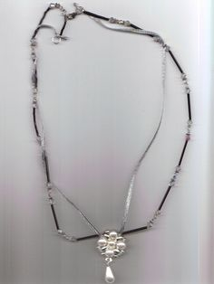 'Czech Crystals Pendant Necklace' is going up for auction at  4pm Tue, Oct 9 with a starting bid of $5.