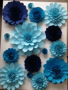 Paper flowers can be done in any color. Itsagiftbylisa.com