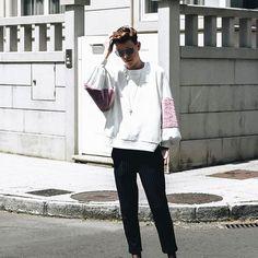 Total trf lookbook   Plush sweatshirt and diplomatic stripe pants with the mr martens // #bakealvarolooks  📸 @damnoutsider_