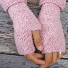 NobleKnits Yarn Shop  - Swan's Island Natural Worsted April Mitts Knitting Pattern PDF, $6.00 (http://www.nobleknits.com/swans-island-natural-worsted-april-mitts-knitting-pattern-pdf/)