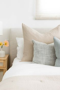 #LagunaBeach #PureSalt #PureSaltInteriors #LagunaBeach Farmhouse Bedroom Decor, Home Decor Bedroom, Dream Bedroom, Master Bedroom, 50s Bedroom, Br House, Apartment Decoration, Modern Bedroom Design, Nursery Design