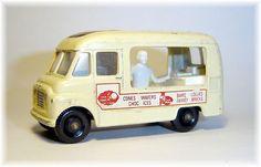 Matchbox 47b Commer Ice Cream Canteen (1963)