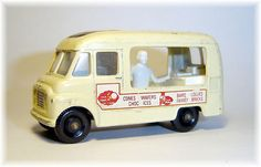 Matchbox 47b Commer Ice Cream Canteen (1963)