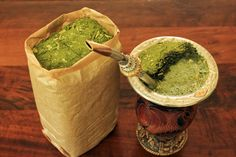 Erva mate or Chimarrao is a beverage very popular and daily consumed in Brazil. It has many health benefits and it is known for its energy boosting effect. Rio Grande Do Sul, Brazil Culture, My Favorite Food, Favorite Recipes, Brazil Cities, Yerba Mate Tea, Types Of Tea, Dinner Themes, Cool Mugs