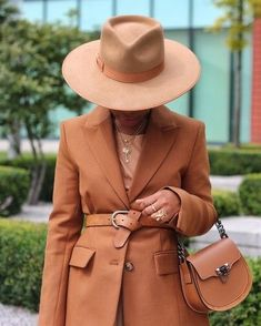 My Fall 2020 Essentials: Fashion & Style Edition - thatgirlArlene Outfits With Hats, Fall Outfits, Fashion Outfits, Womens Fashion, Fashion Trends, Ootd, Mode Hijab, Fashion Essentials, Street Style Looks