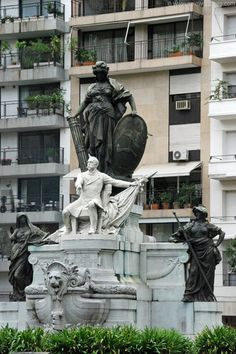 Monumento a Carlos Pellegrini, Buenos Aires