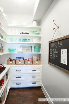 My Organized Pantry Organized Pantry Meal Planning (Sunny Side Up) - Genius Pantry Organization Ideas Pantry Room, Pantry Closet, Pantry Storage, Pantry Organization, Walk In Pantry, Kitchen Storage, Organized Pantry, Pantry Ideas, Ikea Pantry