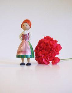 Hemslöjden Mora Sweden Vintage Doll Levene  //