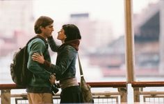 Still of Amanda Peet and Ashton Kutcher in El amor es lo que tiene (A Lot Like Love)