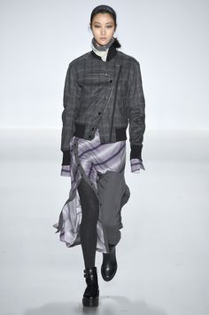 Richard Chai #NYFW #AW15 #NewYork #NewYorkFashionWeek #FashionWeek #Fashion #style #designer #catwalk #womenswear #fall2015 #stripes #lilac #purple #grey #layers