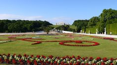 Great Parterre in Schönbrunn - The royal Schloß Schönbrunn Grand Suite is just in the center of it. If you want to enjoy a unique view on the garden out of your bed feel free to contact us.at/Suite-Schloss-Schoenbrunn/en/ Beautiful Sites, Beautiful Pictures, Maria Theresa, Things To Know, World Heritage Sites, Vienna, Austria, Touring, Palace