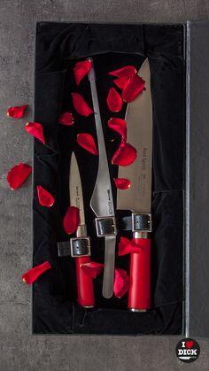 Kuchařský nůž DICK ze série RED SPIRIT - valentýnský set s koženými řemínky jako dokonalý dárek