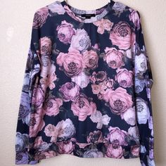 Rose Floral Print Sweatshirt Forever 21 long sleeve print sweater. Never worn Forever 21 Sweaters Crew & Scoop Necks