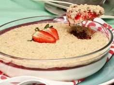 Delícia de bolacha com morangos – é tão bom! Chocolate, Paleo, Food And Drink, Pudding, Desserts, Recipes, Mousse, Delicious Recipes, Yummy Recipes