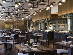 Restaurant Lighting, Restaurant Lounge, Restaurant Design, Cooking Restaurant, Bistro Kitchen, Open Kitchen, Hotel Buffet, Counter Design, Hotel Lobby