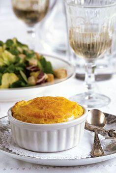 Μεταμορφώνουμε την κολοκύθα σε 23 λαχταριστές συνταγές - www.olivemagazine.gr Cornbread, Fruit, Vegetables, Ethnic Recipes, Food, Millet Bread, Vegetable Recipes, Eten, Veggie Food