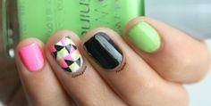 Neon triangle nails Nail Polish Designs, Nail Polish Colors, Nail Designs, Neon Nails, Diy Nails, Manicure, Classy Nails, Fancy Nails, Engagement Rings On Finger