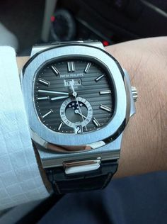 A thursday in June, life could be worse for whoever wearing this Patek Philippe Nautilus 5726 Annual Calendar .