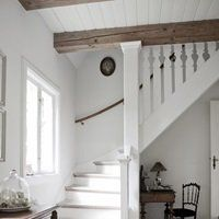 stairs and hall Casa rural danesa / Danish Cottage Style At Home, Sweet Home, Living Spaces, Living Room, Cool Countries, Home Fashion, Design Case, Stairways, My Dream Home