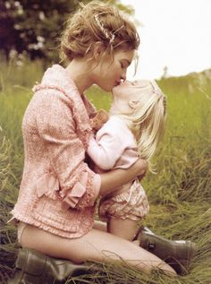 lavandula: natalia vodianova with her two year old daughter, neva, photographed by mario testino for american vogue