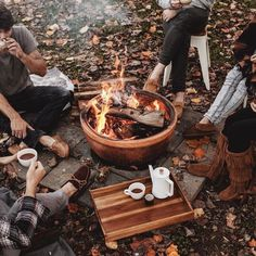 The Wicked The Divine, Camping Photography, Fall Photography, Autumn Aesthetic Photography, Vintage Photography, Fashion Photography, Autumn Cozy, Autumn Fall, Best Seasons