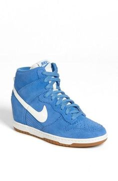 Sky Blue Wedge Dunks!? Yes, please!