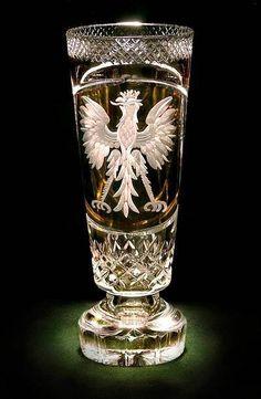Agatha O l Polish Eagle Crystal Vase Crystal Decanter, Crystal Glassware, Crystal Vase, Crystal Gifts, Cut Glass, Glass Art, Polish To English, Vase Cristal, Vases