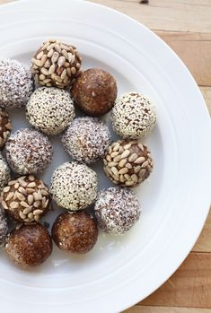 Bliss balls, green smoothies and kale chips...so cliche!...