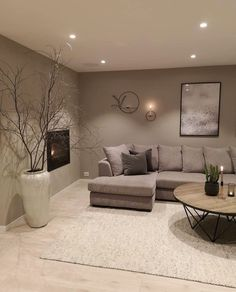 42 brilliant solution small apartment living room decor ideas and remodel 28 Classy Living Room, Living Room Grey, Home Living Room, Living Room Designs, Living Room Decor, Barn Living, Living Room Colors, Small Bedroom Paint Colors, Family Room Colors