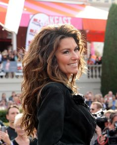 Shania at her arrival ceremony in Vegas! Only 11 days until the Vegas trip!!!