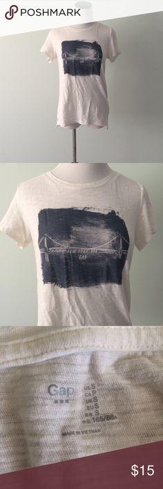 GAP white New York City Shirt New York USA. Off white cotton tee. GAP Tops Tees - Short Sleeve
