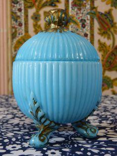 Aqua blue and gold VALLERYSTAHL milk glass candy jar box with lid - shabby boudoir decor - French 40s 50s vintage /  Boîte à bonbon VALLERYSTAHL verre opaline bleu or shabby - vintage année 40 50