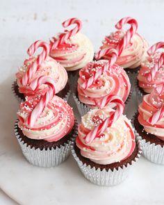 Holiday Cakes, Holiday Desserts, Holiday Baking, Holiday Treats, Fun Baking Recipes, Cupcake Recipes, Cupcake Cakes, Christmas Deserts, Christmas Cupcakes