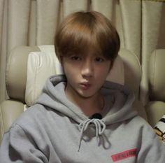 Hoseok, Fandom Kpop, Bts Funny Videos, Dream Boyfriend, Meme Faces, Reaction Pictures, Boyfriend Material, Little Babies, Memes