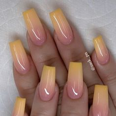 Chic Ombre Coffin Nails Designs in Summer - Nails - # Nails - Nail Ideas - NailiDeasTrends - Long nails - Nagel Swag Nails, My Nails, Nails Today, Neon Nails, Holographic Nails, Best Acrylic Nails, Acrylic Nail Designs For Summer, Coffin Nails Designs Summer, Squoval Acrylic Nails