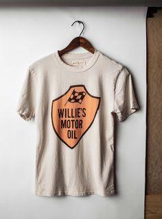 "imogene + willie · the ""willie's motor oil"" tee (vintage white) Sustainable Clothing, Sustainable Fashion, Azul Indigo, Vegan Fashion, Fashion Women, Band Merch, Vintage Tees, Screen Printing, How To Draw Hands"