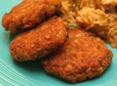 V e g a n D a d: Crispy Cajun Chickpea Cakes - - 1 tbsp oil - 1/4 cup diced onion - 1/4 cup diced green pepper - 1 celery stalk, diced - 1 28 oz can chickpeas, rinsed and drained - 1 tsp thyme - 1 tsp paprika - pinch of cayenne pepper - 1 tsp hot sauce - 2 tbsp chopped fresh parsley - 2 tbsp flour - 1 tbsp cornstarch - salt and pepper to taste - oil for frying - made 7.14.13 - fell apart, too thymey, wouldn't make again - JB