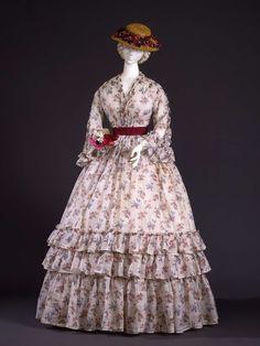 Linen print summer dress, 1848-50 | In the Swan's Shadow