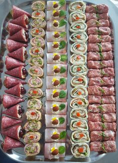 Skewer Appetizers Wedding Appetizers Appetisers Appetizer Recipes Dessert Recipes First Finger Foods Breakfast Crepes Fingerfood Food Design Snacks Für Party, Appetizers For Party, Appetizer Recipes, Meat Appetizers, Salmon Appetizer, Italian Appetizers, Keto Snacks, Good Food, Yummy Food