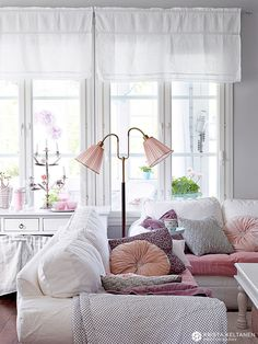 60 Chic & Modern Living Room Design & Decorating Ideas With Furnituıre - Home Decor & Design Pastel Living Room, Home Living Room, Living Room Designs, Living Room Decor, Living Spaces, Casa Color Pastel, Pastel Style, Pastel Colours, Soft Colors