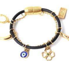 Olho grego é um talismã contra a inveja e omau-olhado, é também conhecido como umsímbolo da sorte e funciona contra energias negativas. Figa é um amuleto em forma de uma pequena mão fechada, com o dedo polegar enfiado entre o