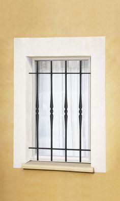 Le Ferronnier - Grille de fenêtre en fer forgé Armelle | GFARMELLE