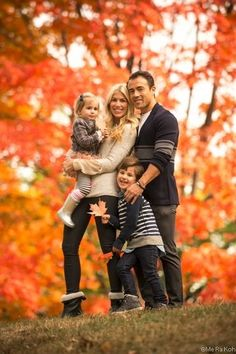 9. Red and #Orange - 27 Fall Family Photo #Ideas You've Just Got to See… #Family